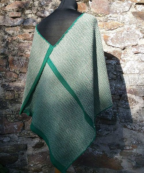 poncho vert en laine