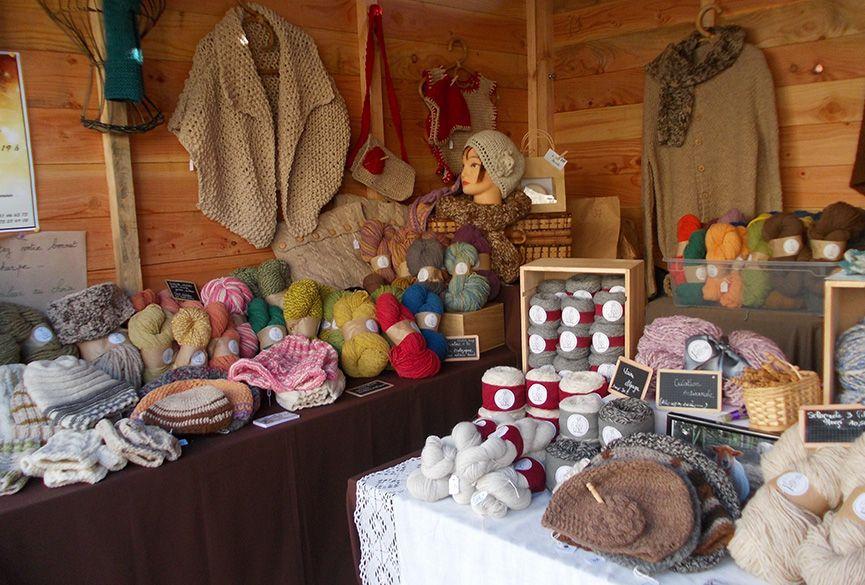 Stand Laines de mon jardin : produits en laine naturelle et bio
