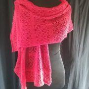 étole dentelle rouge en fil de laine d'Ecosse