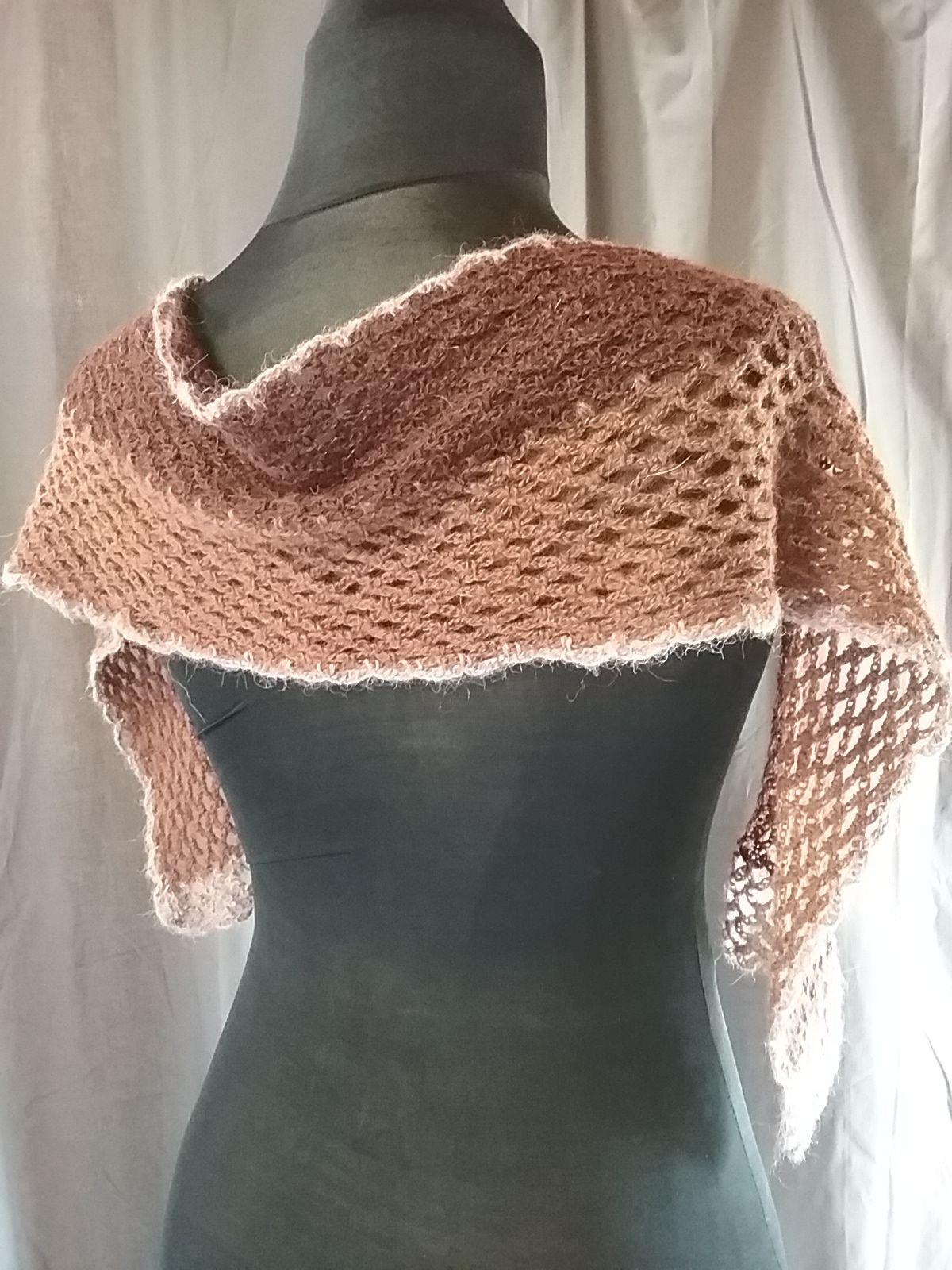 écharpe alpaga couleur naturelle au crochet dfb400b337c